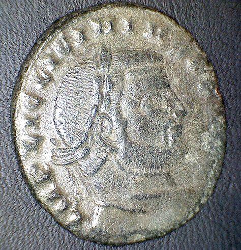 FOLLIS de billon pour MAXIMINUS II (310-313). Llici_r